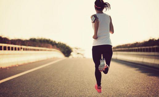 Run-club-woman-running