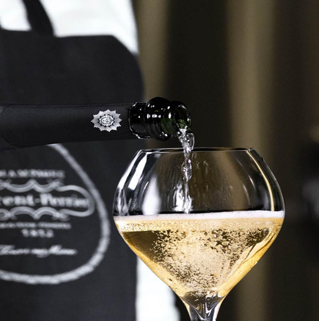 Imagen El arte de servir el champagne a la francesa